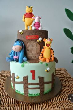 Rustic Winnie the Pooh 1st birthday party via Kara's Party Ideas KarasPartyIdeas.com #winniethepooh #firstbirthday #winniethepoohparty #karaspartyideas (13)