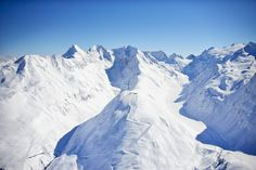 The only ski holiday guide you'll ever need to the high-altitude Austrian ski resort of Obergurgl: home to magnificent scenery and cheerful après-ski. Crystal Ski, Ski Holidays, Snowboard, Mount Everest, Skiing, Mountains, Nature, Travel, Photos