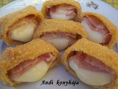 Rántott sajt baconnal**** Cheese Recipes, My Recipes, Hungarian Recipes, Hungarian Food, Starters, Entrees, French Toast, Bacon, Breakfast