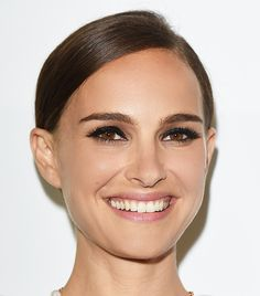 Natalie Portman's sultry smoky eye + sleek updo