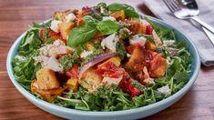 Roasted panzanella salad with Dijon mustard and goat cheese Chicken Pesto Recipes, Roasted Vegetable Recipes, Roasted Vegetables, Veggies, Salad Sauce, Salad Topping, Main Dish Salads, Main Dishes, Le Chef