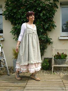 Voici un mix de la robe Linette en lin naturel et du très beau jupon Melle rose ainsi que du panty en lin rose ...