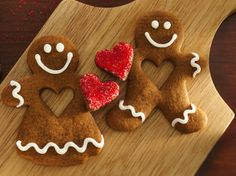 Looking for a gingerbread dessert? Then check out these girl and boy shaped saucepan cookies – delightful holiday treats.