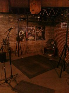 Another Photo of Basement music room, outta commision Just love it's raw look