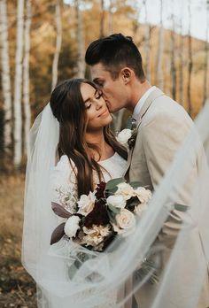 30 Best Ideas For Outdoor Wedding Photos ❤ outdoor wedding photos couple with veil katiegriffphoto Outdoor Wedding Pictures, Wedding Picture Poses, Wedding Poses, Wedding Shoot, Wedding Couples, Wedding Portraits, Dream Wedding, Wedding Bride, Outdoor Photos