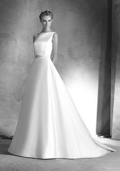 Atelier Pronovias Wedding Dress Collection 2016