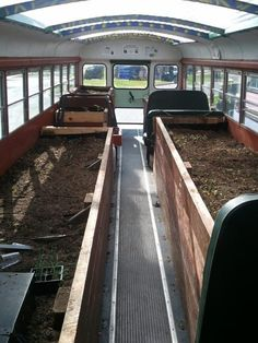 Old School Bus converted into a Greenhouse... All kinds of awesome!