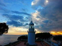 Far de Roses  #passeigdetarda #farderoses #aroses #visitroses #costabravapirineus #meteobaixllobregat #sky_captures #estaes_cielos #be_on_natura #sea_sky_nature #imatgescat #socdepoble #ok_catalunya #total_catalunya #raconsde_catalunya #naturaleza_catalunya #natura_catalunya #espaiterratv3 #europa_catalonia #discover_catalonia #total_girona #like_girona #catalunyanatura #catalunyaexperience #catalunya_alnatural #picoftheday #instapirineos #geopx #world_bestsky #photooftheday
