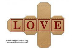 DIYs, Dicas e Inspirações Supresa para Namorados - Cubo Love Printable Box, Printable Stickers, Diy Gift Box, Diy Box, Diy Paper, Paper Crafts, Paper Box Template, Diy Doll Miniatures, Box Patterns