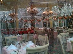 Tavern on the Green, NYC, had lunch in this room in September The waiter looked like a chubby Michael Jackson, the garden outside was beautiful, and passed Roger Daltrey walking through Central Park on way back to hotel. Great Places, Beautiful Places, Simply Beautiful, Nyc Go, Tavern On The Green, Lillian Vernon, Green Christmas, Christmas Lunch, Living In Arizona