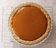 A collection of dessert based on the classic pumpkin pie! It's pumpkin pie reinvented! Fall Desserts, Just Desserts, Delicious Desserts, Yummy Food, Pumpkin Pie Crust, Easy Pie Crust, Pie Crusts, Pie Dessert, Dessert Recipes