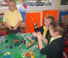 Here children are learning in a relaxed and friendly atmosphere.(vibha and hibo)