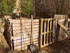 Pallet enclosed garden - cheap and easy