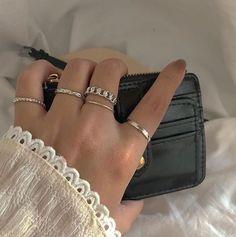 Hand Jewelry, Cute Jewelry, Jewelry Rings, Jewelry Accessories, Fashion Accessories, Trendy Jewelry, Luxury Jewelry, Women Jewelry, Fashion Rings