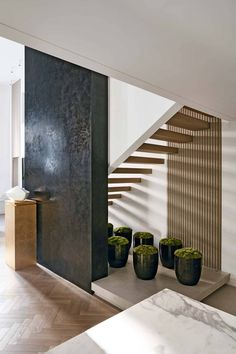 Level up with Kelly Hoppen's West London Eclectic Home Interior Stairs, Interior Architecture, Design Studio, House Design, Kelly Hoppen Interiors, Bamboo House, Staircase Design, White Staircase, Stair Design
