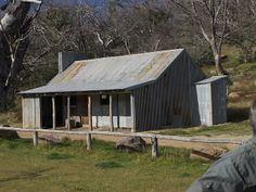 Bluff Hut | Victoria