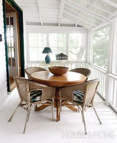 Joel Bray's Quick Cottage Porch Makeover Tips Porches, Porch Makeover, Makeover Tips, Screened Porch Designs, Pole Barn Homes, Pole Barns, Cottage Porch, Sunroom Decorating, Ranch Remodel
