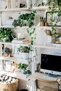 19 Unique Home Decor Ideas with Plants https://www.futuristarchitecture.com/28295-home-decor-ideas-with-plants.html
