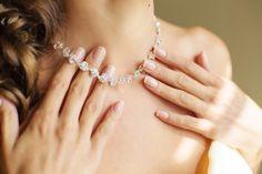 首の乾燥はアクセサリーのせい部位別乾燥肌の原因をチェック