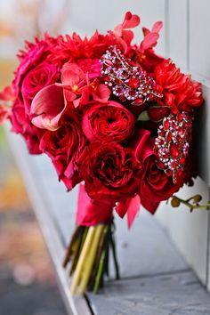 Bold elegance ~ Erich Camping Photography, Stacy K Floral   bellethemagazine.com