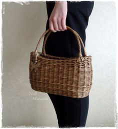 Корзины, коробы ручной работы. Корзинка плетеная Big Basket, Basket Bag, Willow Weaving, Basket Weaving, Jane Birkin, Paper Basket, Wicker Baskets, Bag Making, Straw Bag