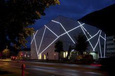 backlit Sogn & Fjordane Art Museum / C.F. Møller Architects