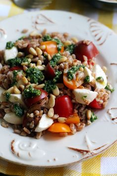 Fresh and light Farro Caprese Salad perfect for Meatless Monday.
