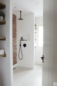 For the past year the bathroom design ideas were dominated by All-white bathroom, black and white retro tiles and seamless shower room Grey Bathrooms, White Bathroom, Beautiful Bathrooms, Modern Bathroom, Bathroom Design Luxury, Bathroom Design Small, Bathroom Designs, Budget Bathroom, Bathroom Wall Decor