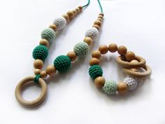 Set of organic nursing necklace and teething toy - Emerald mint and white teething breastfeeding necklace - For Babywearing Moms