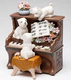 ♫ New MUSIC BOX Porcelain WESTIE Dog Playing PIANO Musical Figurine Puppy Love