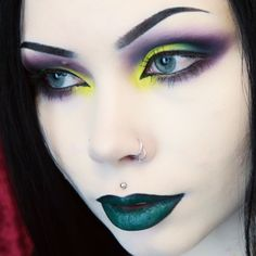 ReeRee Phillips ❤ Goth Makeup, Dark Makeup, Makeup Art, Goth Beauty, Dark Beauty, Makeup Jobs, Makeup Ideas, Beauty Without Cruelty, Halloween Eye Makeup