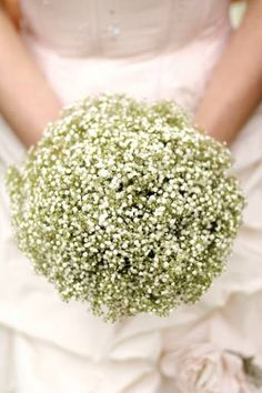 Gorgeous bouquet from Wedding Flowers Magazine!  (http://www.weddingmagazine.co.uk/flowers-article1401.html)