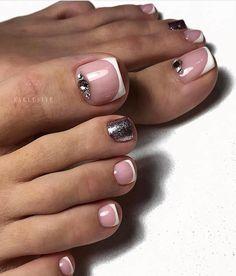 Natural pedicure design ideas for your toenail Pretty Toe Nails, Cute Toe Nails, Hot Nails, Pretty Toes, French Toe Nails, French Pedicure, Pedicure Nail Art, Manicure, Pedicure Designs