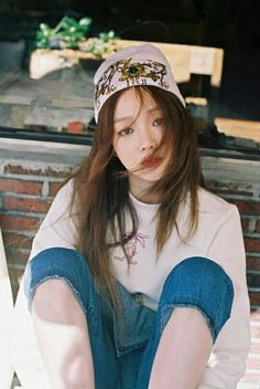 model, lee sung kyung, and yg image