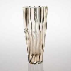 AIMO OKKOLIN - Glass vase for Riihimäen Lasi Oy, Finland. [h. 32 cm] Art Of Glass, Cut Glass, Glass Design, Design Art, Beauty Magic, Diy Nail Polish, Grey And Gold, Stained Glass Windows, Modern Contemporary