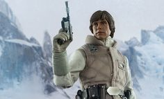 Star Wars Commander Luke Skywalker Hoth Sixth Scale Figure