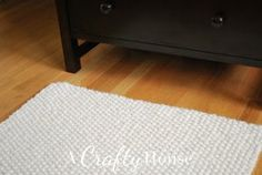 Cozy Seed Stitch Rug | Free Pattern. 15mm circular needles using Super Bulky 6 yarn Wool Ease Thick & Quick doubled