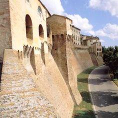 Mura medioevali #marche città di Federico II