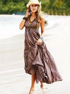 maxi dress. Boho style! Boho chic bohemian boho style hippy hippie chic bohème vibe gypsy fashion indie folk .