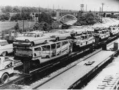 """By the late TOFC or """"piggyback"""" put a lot of auto transport companies out of business. The trailers on these flatcars are owned by """"Auto Convoy"""" of Texas. Auto Convoy mergered with The Motor Convoy in the to become Allied Auto Group. Vintage Trucks, Vintage Auto, Vintage Diy, Vintage Ideas, Car Trailer, Trailers, Car Carrier, Rail Car, Classic Chevy Trucks"""
