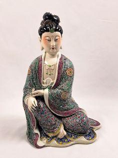 Chinese Famille Rose Porcelain Enamel Decorated Seated Kwan-yin Buddha