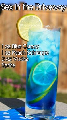 Wishmaker Aladdin Cocktail is a fruity drink recipe all the adults will love. If you remember the excitement of Aladdin coming out back in this cocktail is for you! Acholic Drinks, St Patrick's Day Cocktails, Liquor Drinks, Fancy Drinks, Refreshing Drinks, Cocktail Drinks, Yummy Drinks, Cocktail Tequila, Disney Drinks