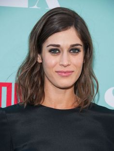 Lizzy Caplan Talks Femininity And Growing Up A Tomboy