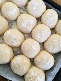 pikku murusia: Superpehmeät perunasämpylät Bread Recipes, Cooking Recipes, Salty Snacks, Daily Bread, Food And Drink, Diy, Savory Snacks, Bricolage