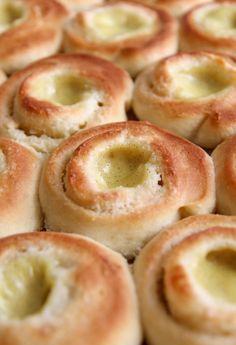 Pavlova, Doughnut, Creme, Food And Drink, Baking, Sweet, Recipes, Candy, Bakken