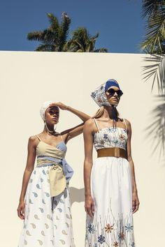 Pool Fashion, Fashion Poses, Swimwear Fashion, Fashion News, Fashion Show, Fashion Design, Pool Party Outfits, Campaign Fashion, Summer Lookbook