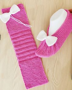 Делаем сами — Разное | OK.RU Knit Slippers Free Pattern, Baby Booties Knitting Pattern, Crochet Slipper Pattern, Easy Knitting Patterns, Knitted Slippers, Knitting Stitches, Knitting Designs, Knitting Socks, Baby Knitting