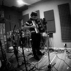 Grabando Acordeones para Luz Buena! #rec #recording #studio #music #acordeon  #gopro #gopromusic #luzbuena #cumbia #cuencastudio