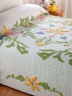 Guest Bedroom Decor, Linen Bedroom, Linen Bedding, Bedding Sets, Guest Room, Bed Linen, Vintage Bedspread, Chenille Bedspread, Linens And Lace
