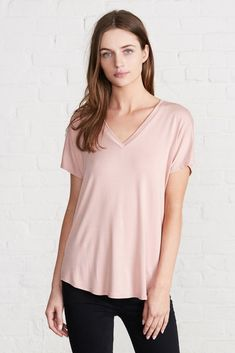 Liv Relaxed V-Neck T